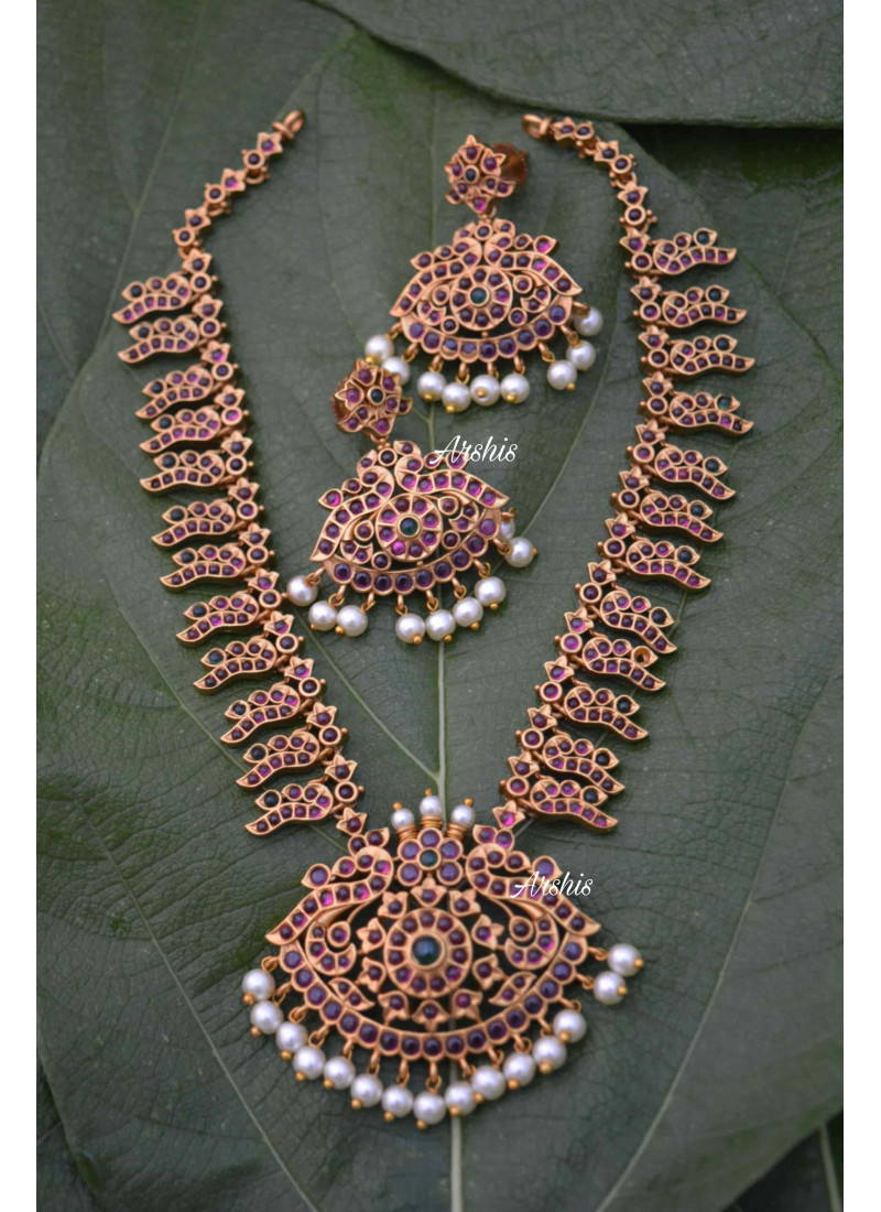 Arshis Designer Real Kemp Necklace