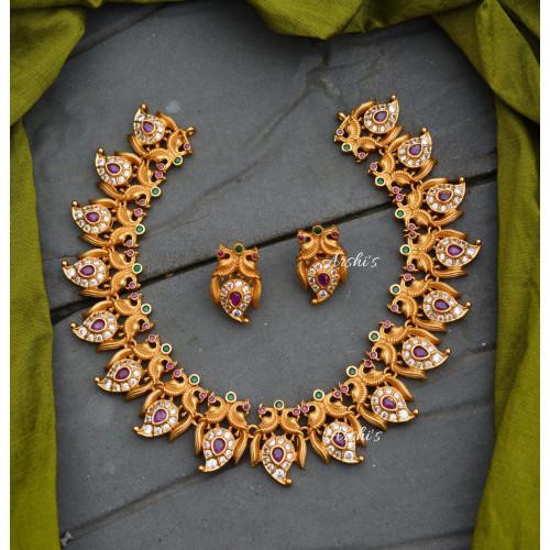 Elegant Mango Design Necklace with Earrings