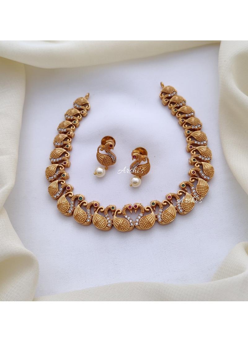 Light Weight Swan Design Necklace