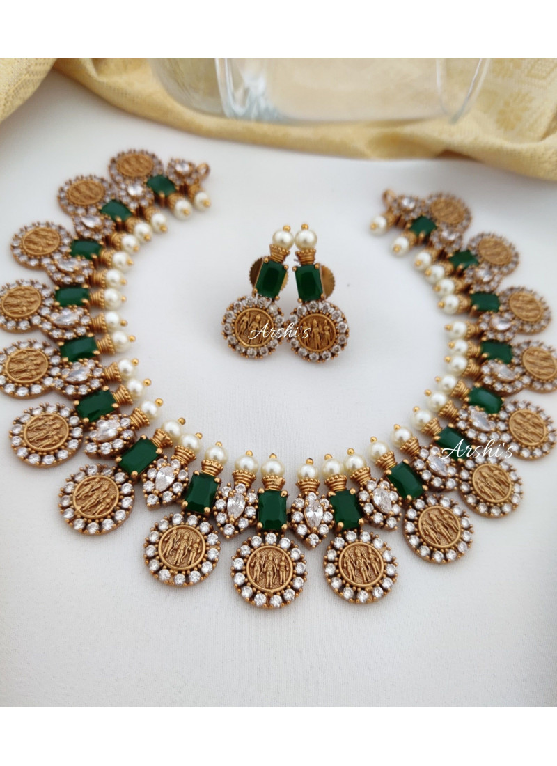 Classy Emerald Green and White Ramparivar Necklace