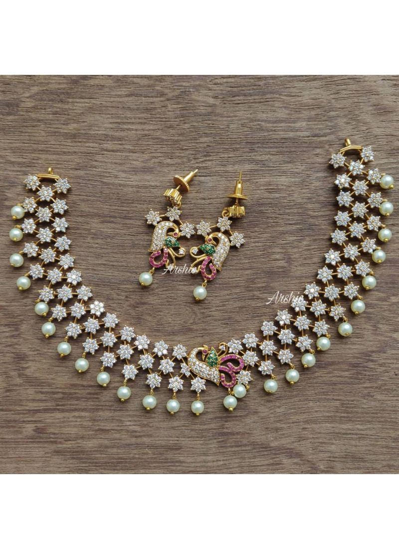 Elegant Diamond alike Necklace with Pearls