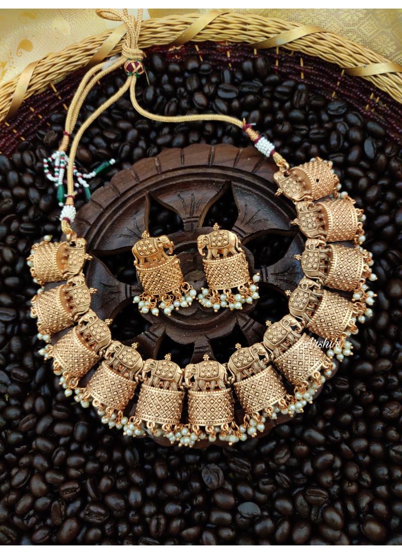 Classy Elephant Design Necklace