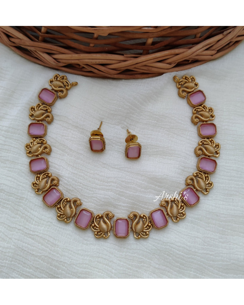 Simple Peacock Pink Stone Necklace