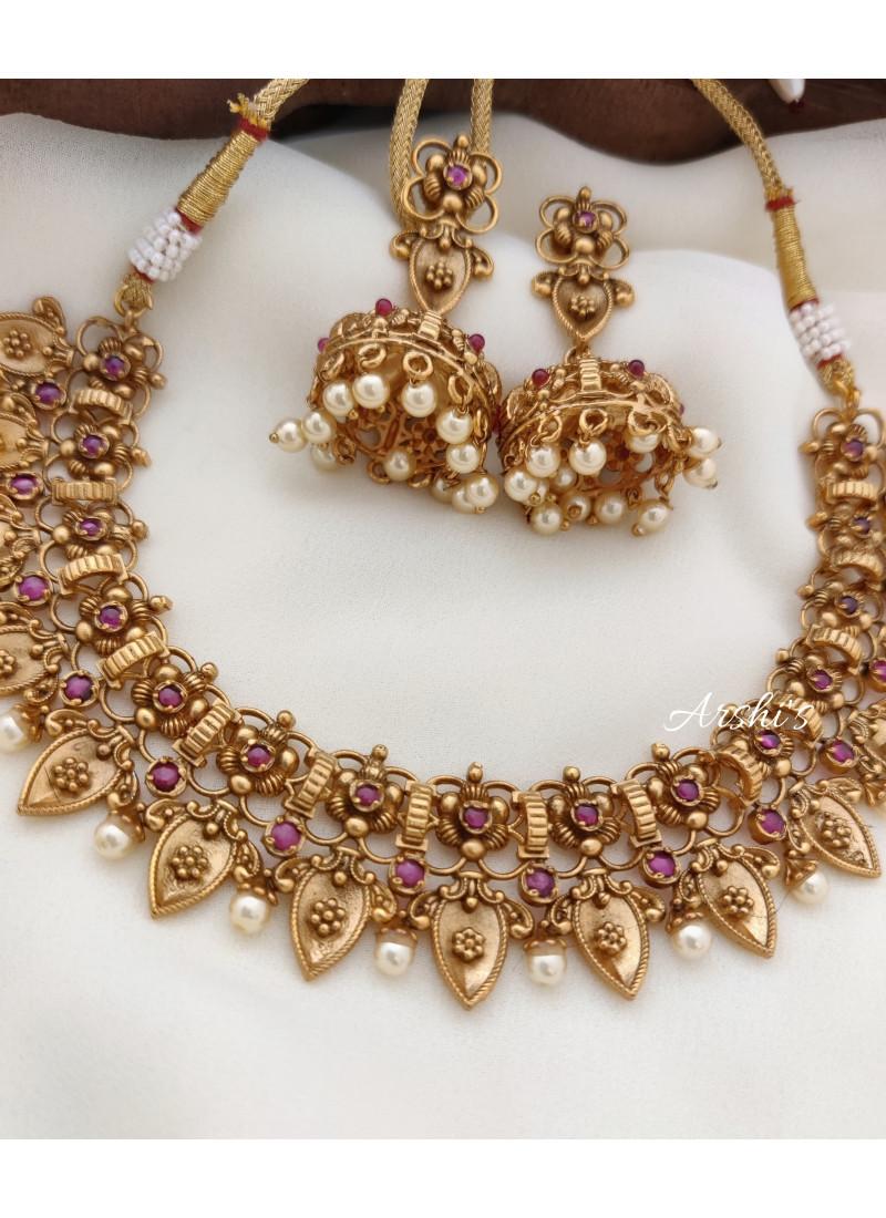 Flower and Leaf Design Necklace