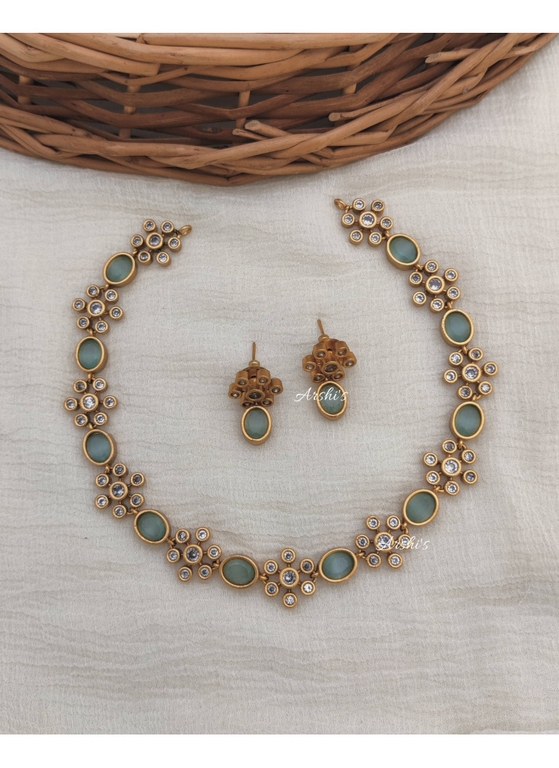 Simple Pale Green AD Necklace