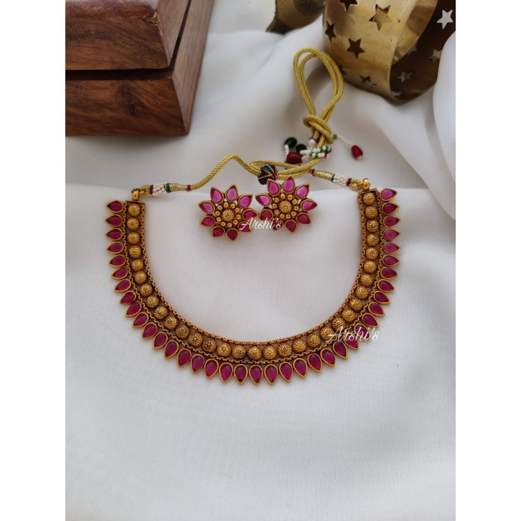 Elegant Kemp Stone Necklace with Earrings