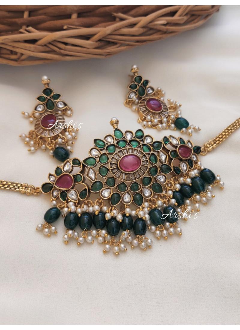 Beautiful Green Beads Choker